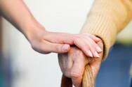 Καλάβρυτα: Οικιακοί βοηθοί αφαίρεσαν 5.000 ευρώ από ηλικιωμένη