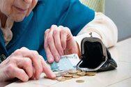 Πάτρα: «Μπουκάλα» έμειναν οι χαμηλοσυνταξιούχοι και για τις γιορτές