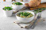 Μαγειρέψτε ριζότο με σπανάκι