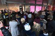 Βρετανία - Κορωνοϊος: Χαμός στο Λονδίνο λίγο μετά την άρση του lockdown