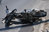 Πάτρα: Τροχαίο με 2 δικυκλιστές τραυματίες στην Αρέθα