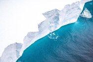 Φωτογραφίες από το μεγαλύτερο παγόβουνο στον κόσμο