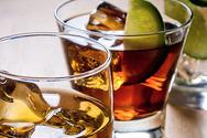 Το lockdown αυξάνει την υπερβολική κατανάλωση αλκοόλ στο σπίτι