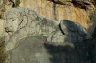 Ο Λέων του Ναυπλίου - Το μνημείο που αποδίδει φόρο τιμής στα θύματα από επιδημίες (video)