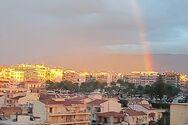 Εντυπωσιακό ουράνιο τόξο «στόλισε» τον χειμωνιάτικο ουρανό της Πάτρας (φωτο)