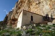 Το εκκλησάκι της Παναγίας Ρετουνιώτισσας που αγναντεύει το δάσος της Στροφυλιάς (φωτο)