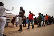 Τα εμβόλια ίσως χρειαστούν ανασχεδιασμό για τη νοτιο-αφρικανική μετάλλαξη