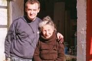 Νίκος Ορφανός - Το συγκινητικό αντίο στην τηλεοπτική του γιαγιά, Τιτίκα Σαριγκούλη