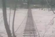 Ναύπακτος: Φούσκωσε ο Εύηνος από την κακοκαιρία (video)
