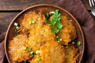 Μαγειρέψτε τηγανίτες πατάτας