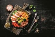 Ετοιμάστε κοτόπουλο με λαχανικά και γλυκόξινη σάλτσα