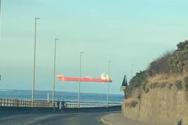 Άνδρας φωτογράφησε πλοίο να… πετά στον ουρανό