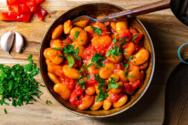 Συνταγή για παραδοσιακούς κοκκινιστούς γίγαντες