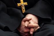 Αίγιο: Συνέλαβαν μοναχό που δήλωνε επίσκοπος και αγόρασε όχημα μεγάλου κυβισμού