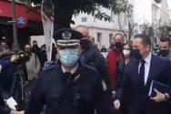 Στην Πάτρα ο Σ. Πέτσας - Αποδοκιμασίες έξω από το Δημαρχείο (video)