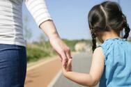 Μονογονεϊκές οικογένειες: Πώς τα βγάζουν πέρα, οι δυσκολίες που αντιμετωπίζουν