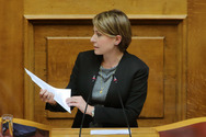 Χριστίνα Αλεξοπούλου: Επαναφορά των ευνοϊκών ρυθμίσεων για πολύτεκνους εκπαιδευτικούς