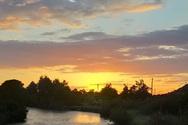 Μοναδικό - Ηλιοβασίλεμα στη λίμνη Προκόπου, στο δάσος της Στροφυλιάς (φωτό)