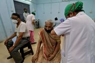 Ινδία - Κορωνοϊός: Κλείνουν εμβολιαστικά κέντρα λόγω έλλειψης εμβολίων