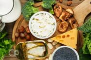 Οστεοπενία: Ποιες τροφές βοηθούν