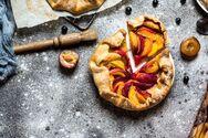 Καλοκαιρινή πίτα με ροδάκινα