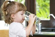 Πώς θα φροντίσετε τη σωστή ενυδάτωση του παιδιού σας