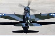 Το θρυλικό Spitfire προσγειώθηκε στο αεροδρόμιο του Αράξου (φωτό)