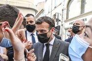 Γαλλία: Ποιος είναι ο νεαρός που χαστούκισε τον Μακρόν