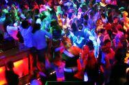 Από τις 2 Ιουλίου θα λειτουργήσουν κέντρα διασκέδασης και τα μπαρ σε κλειστούς χώρους