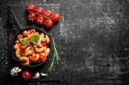 Ριγκατόνι με κόκκινη σάλτσα