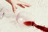 Λεκές από κόκκινο κρασί:Πως θα τον αφαιρέσετε