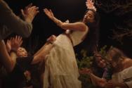 Η Μαρίνα Σάττι ντύνεται νύφη για τις ανάγκες του νέου της τραγουδιού (video)