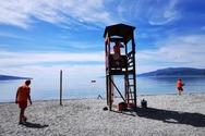 «Ακάλυπτες» οι παραλίες της Πάτρας τις πολύ πρωινές και απογευματινές ώρες