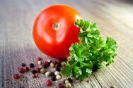Ντομάτα: Τα οφέλη της στην υγεία μας που δεν γνωρίζουμε