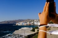 Πατρινή εργαζόμενη στη Μύκονο: «Την…  Μέκκα του τουρισμού δεν την κλείνεις»!