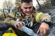 Αχαΐα - Ο πυροσβέστης που γέννησε την ελπίδα μέσα στις στάχτες!