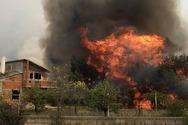 Πύρινη κόλαση στην Αχαΐα - Έχουν καεί σπίτια και περιουσίες - Ολονύκτια μάχη με τις φλόγες (φωτο)