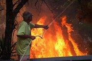 Ανυπολόγιστη ζημιά από τη φωτιά στη Βαρυμπόμπη: Με τιτάνια προσπάθεια σώθηκε το Κρυονέρι