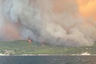 Φωτιά στην Εύβοια: Εκκενώνονται οι Κεχριές στην Αγία Άννα