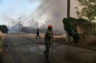 Φωτιά στην Αττική: Πού εντοπίζονται τα κύρια μέτωπα - Στη μάχη τα εναέρια μέσα