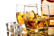 Λεκές από ποτό στα ρούχα - Πώς να τον αφαιρέσετε