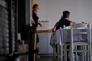 «Μπλόκο» στην είσοδο ανεμβολίαστων σε κλειστούς χώρους από το φθινόπωρο