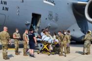 Αφγανή πρόσφυγας γέννησε μέσα σε αμερικανικό στρατιωτικό αεροσκάφος