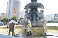 Επιτέλους τα σιντριβάνια στην πλατεία Γεωργίου καθαρίστηκαν και απολυμάνθηκαν (φωτο)