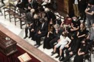 Μίκης Θεοδωράκης: Σε λίγο ο αποχαιρετισμός πριν από το τελευταίο ταξίδι στον Γαλατά Χανίων