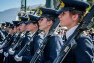 ΣτΕ - Αντισυνταγματικό το ελάχιστο ανάστημα 1,65 μ. για την είσοδο των γυναικών στις Στρατιωτικές Σχολές