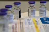 «Ασφυκτικές» πιέσεις σε Moderna και Pfizer για να μοιραστούν την τεχνολογία των mRNA εμβολίων