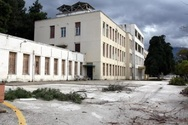 Πάτρα: Κανένα σχέδιο για την αξιοποίηση του πρώην 409 - Ερημώνει το ιστορικό κτίριο