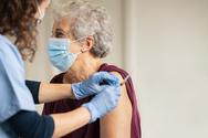 Αχαΐα: Με βαριά καρδιά οι ηλικιωμένοι για την τρίτη δόση - Μέτριος ο ρυθμός των εμβολίων