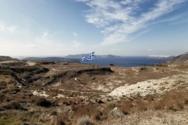 Η μεγαλύτερη Ελληνική σημαία υψώθηκε στη Σαντορίνη (video)